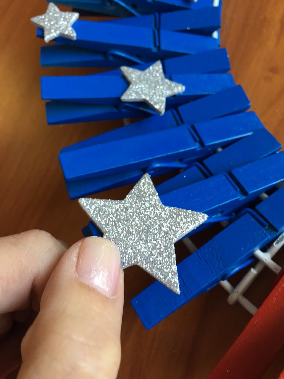 DIY Easy Patriotic Clothespin Flag Wreath Attach Stickers