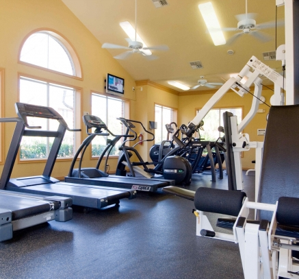 Fitness Center at Camden Sugar Grove Apartments in Stafford, Texas